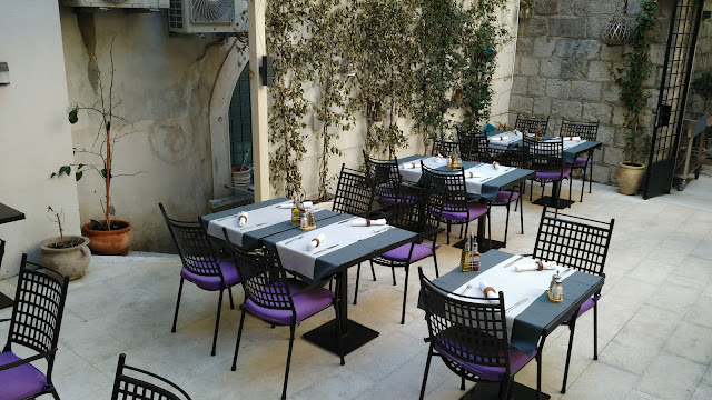 Makarun restaurant split croatie été vacances 2017 bon plans, patio
