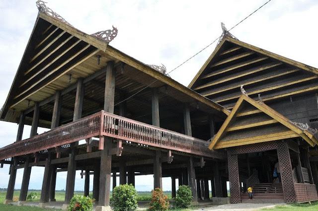 Rumah Saroja Sallasa Sulawesi