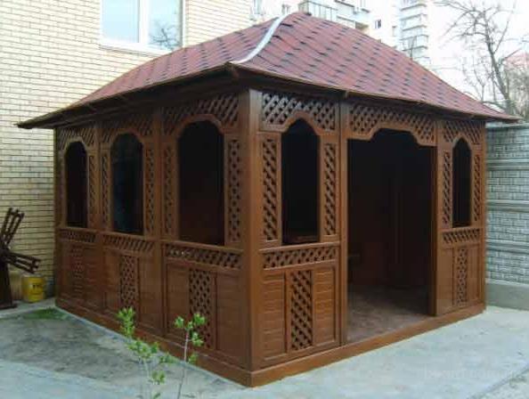 pavillon aus holz fotos laube foto. Black Bedroom Furniture Sets. Home Design Ideas