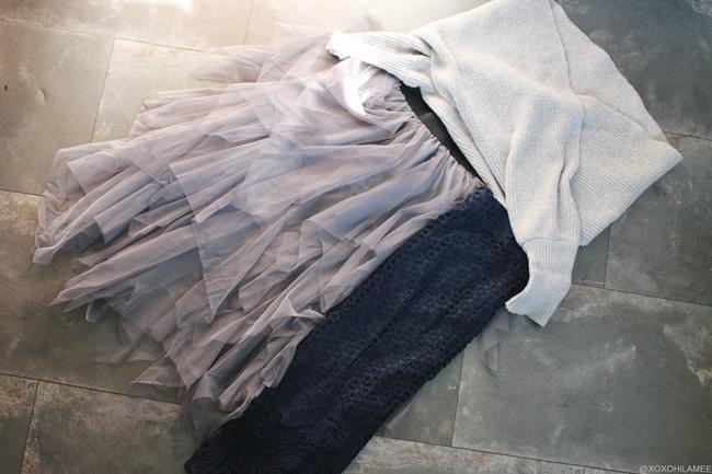 日本人ファッションブロガー,Mizuho K,NEWIN FROM Sammydress-ネイビー刺繍ペンシルスカート,ニットリブベースボールキャップ,アシンメトリックティアードチュールスカート,グレーニットラップケープ