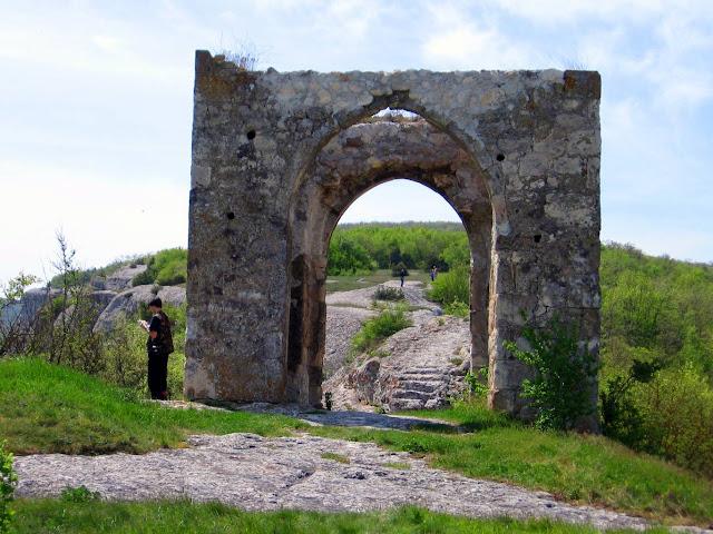 Эски-Кермен, Девичья башня