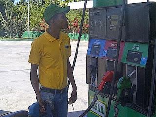Gobierno cobrará por adelantado el impuesto RD$2.00 por galón de gasolina