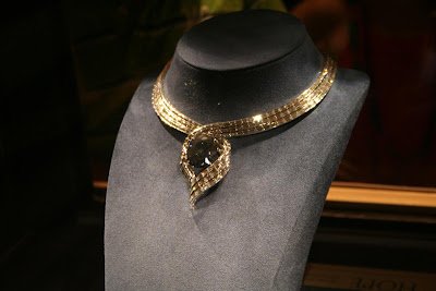 The Hope Diamond @ Smithsonian :: All Pretty Things