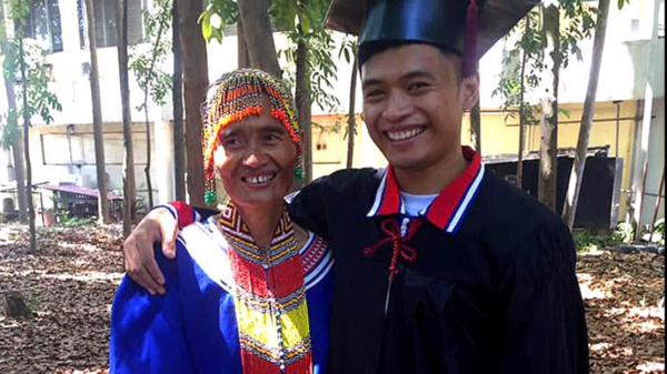 Lumad breaks barriers, graduates cum laude in ECE