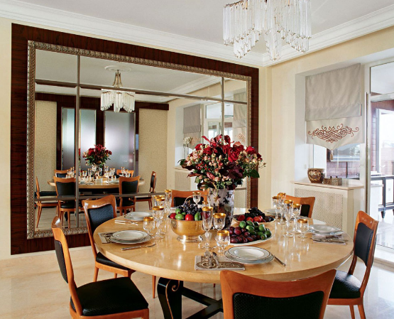 Luxurious dining room with art deco style