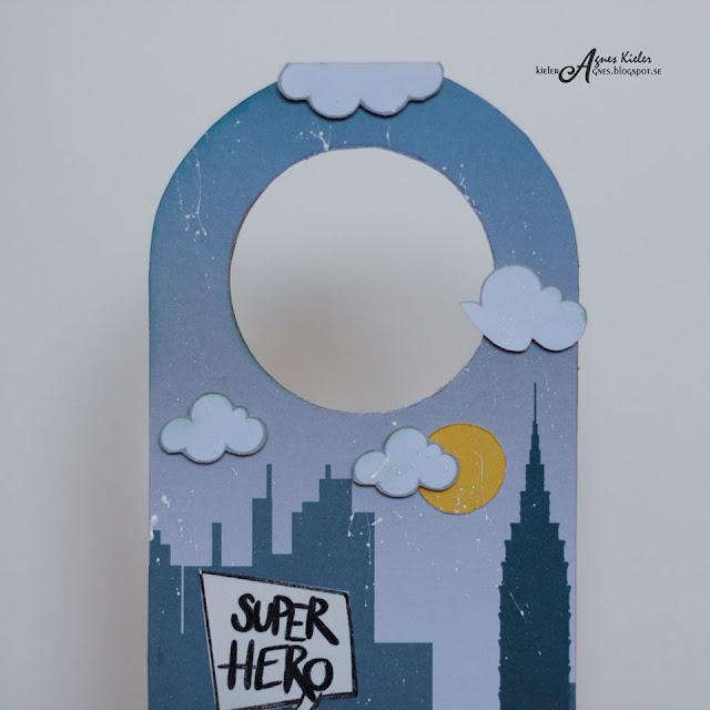 zawieszka z super bohaterem