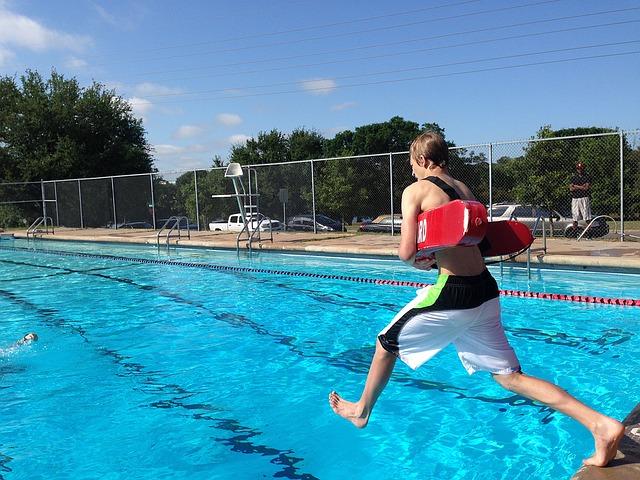 aktivitas berenang