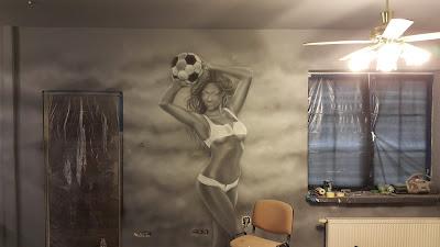 Pomysł na bar, malowanie graffiti na ścianie w pubie, mural 3D