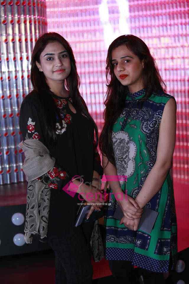 PFDC Sunsilk Fashion Week 2016 Red Carpet