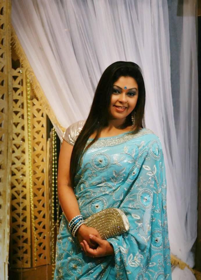 Amazing Look World  Naughty Indian Desi Hot Aunties Pics-2909