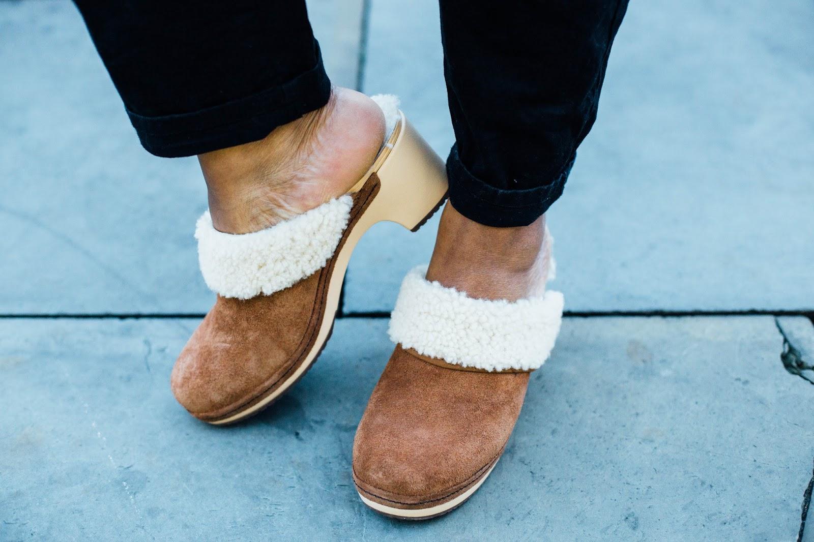 How To Wear The @Crocs_UK Clog #70sFashion @CrocsEU