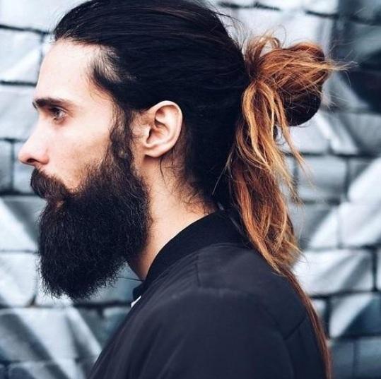 peinados largos para hombres trenzando una espina de pescado requiere with pelo largo para hombres