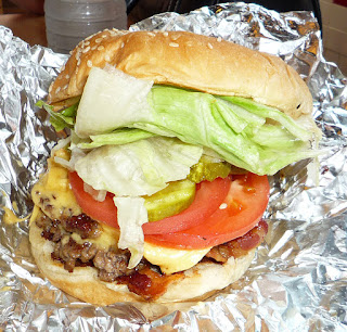 Example of a Five Guys burger (CC from Wikimedia)