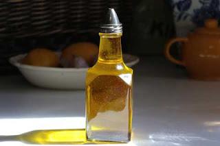 Cara menghilangkan ketombe dengan minyak zaitun