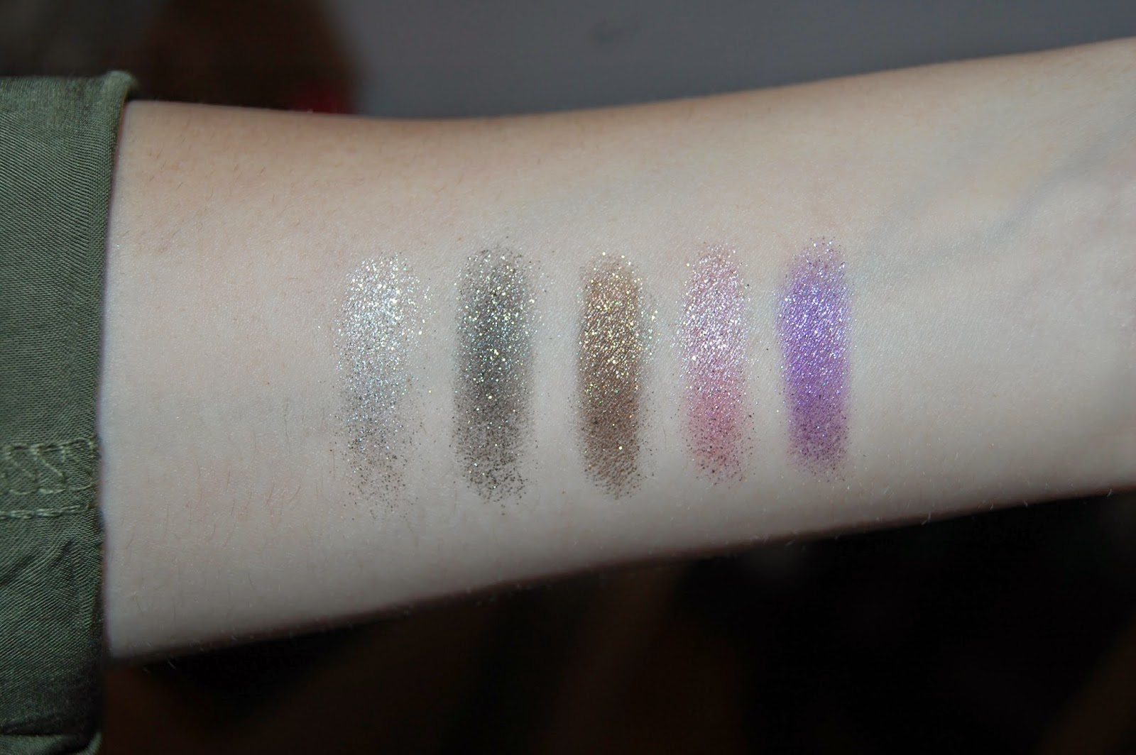 glitter eyeshadow, swatch, make up, beauty, bornpretty, bbloggers, bloglovin, blogger,