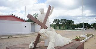 Estações da Via Sacra ao ar livre, em Cuité, revivem o sofrimento de Jesus; veja