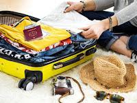 Tips Packing Baju Saat Bepergian Agar Koper Lebih Ringan