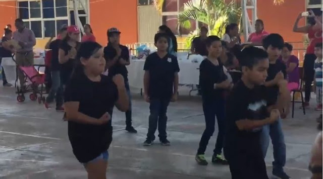 Niño se rebela para no bailar reguetón en la escuela