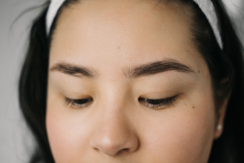 How I Shape Style My Eyebrows Barely There Beauty A Lifestyle