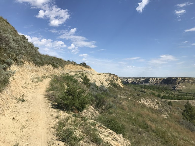 Ridgeline on the Maah Daah Hey Trail. Image credit Alicia of The Prairie Style File.