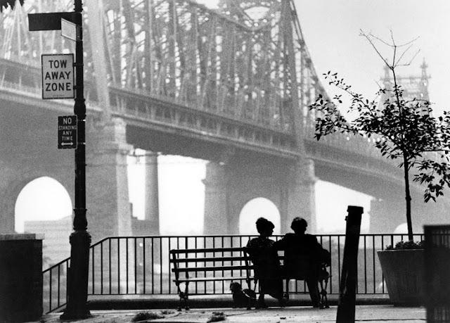Manhattan (1979), una de las películas más famosas de Woody Allen sobre las relaciones