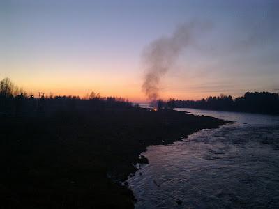 Kalajoen silta, pääsiäislauantai, kokko