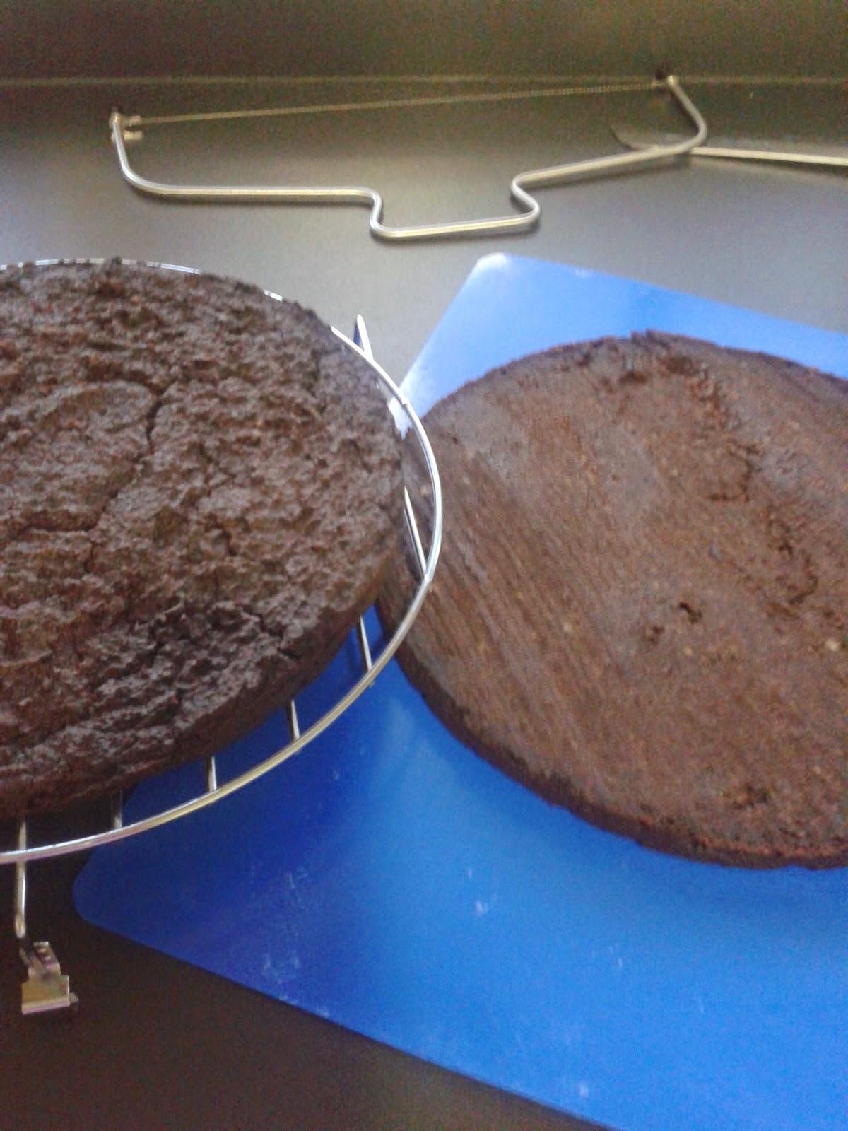 Las recetas de romy tarta de bizcocho m rmol y chocolate - Como cortar marmol encimera ...