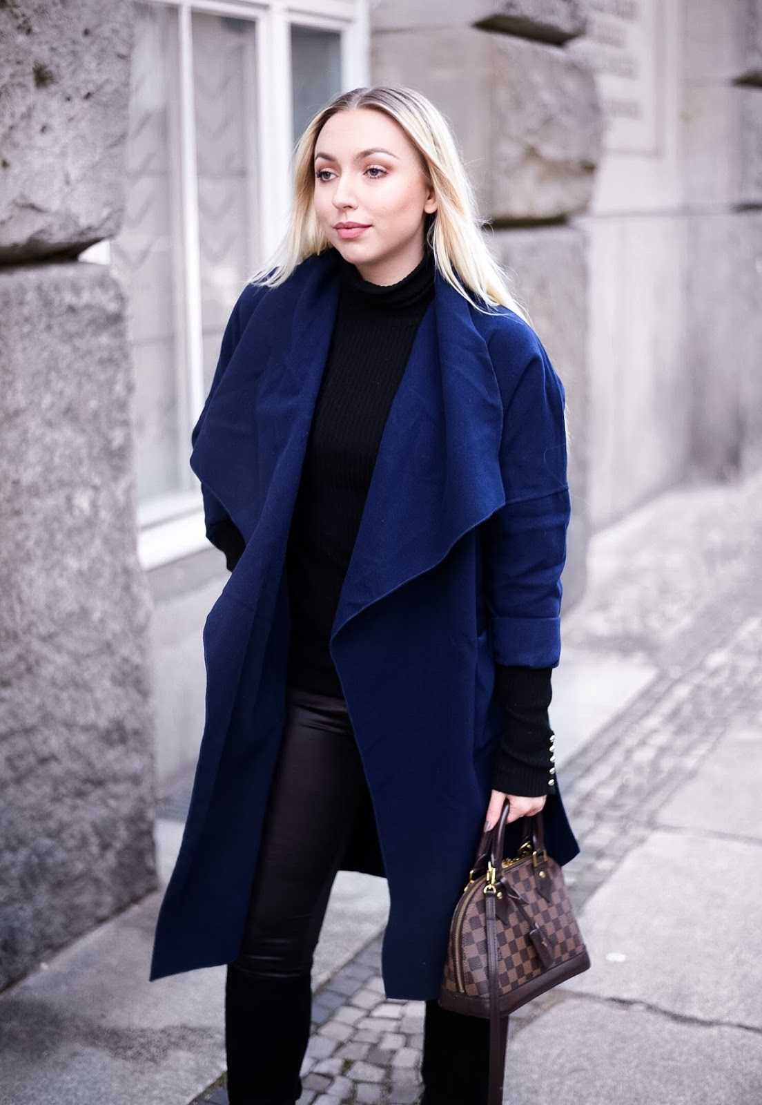 navy blue collar coat, workwear for winter, what to wear to the office, officewear