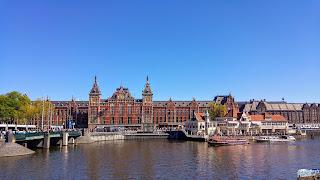 Pays Bas : Amsterdam La gare Centrale