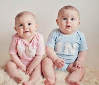 Foto Gambar Bayi Kembar