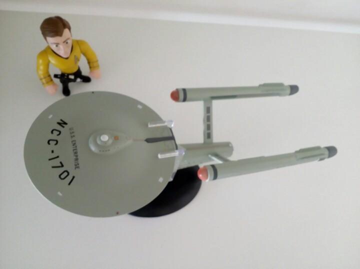 Naves oficiales de STAR TREK Magazine #1 USS Enterprise NCC 1701 D Eaglemoss.