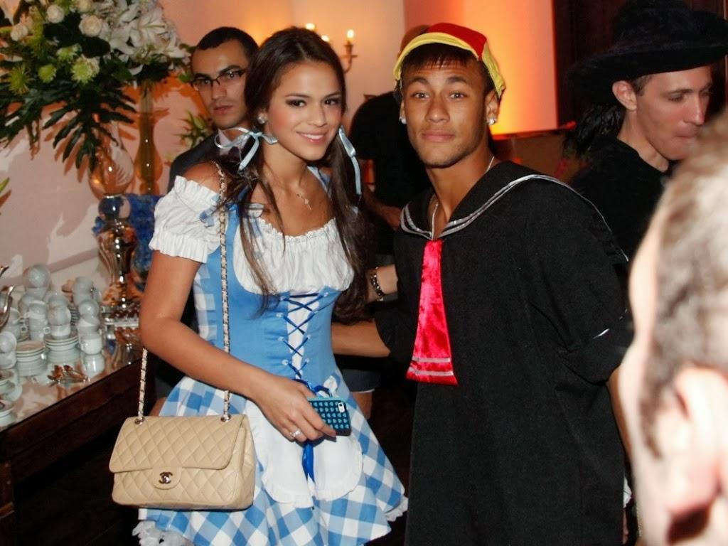 Bruna Marquezine s Some Close Photo with Neymar | Best ...