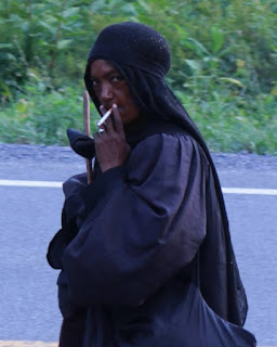 Elizabeth Poles Lady in black