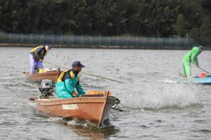 たたき網漁 三方湖冬の伝統漁法