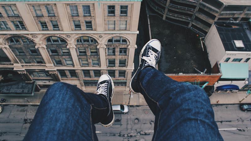Living on the edge HD