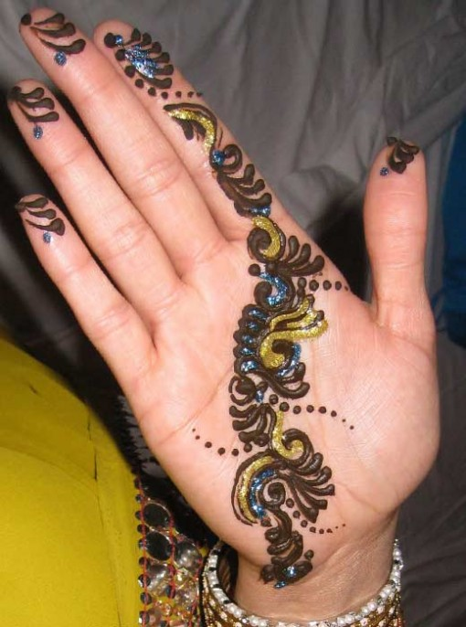Henna Mehndi Tattoo Designs Idea For Wrist: Easy Henna Tattoos
