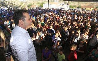 Governador Renan filho entrega 8,500 cisterna no município de Santana do Ipanema.