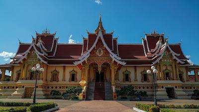 Wat Thatluang Neua in Vientiane