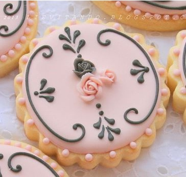 Pink & Black Vintage Cookie