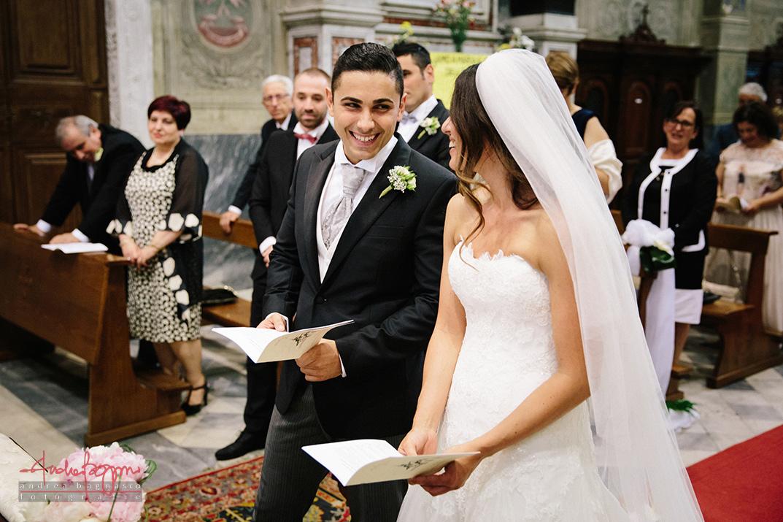 sposi all'altare fotografo matrimonio Genova