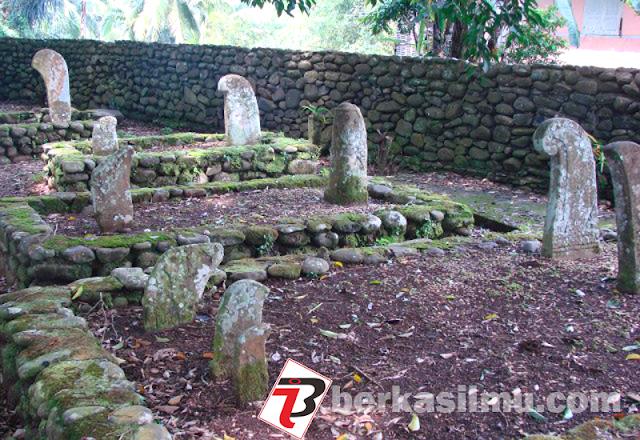 Foto Makam Raja Raja Pagaruyung