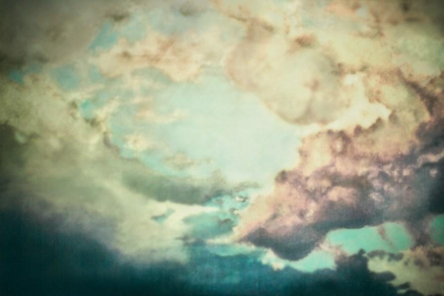 malerei, pigmente, binder, leinwand, pastellkreide, mixed media, wolken, himmel, sturm, regen, geweitterwolken, natur, naturgewalten, painting, pastell crayons,pigments, canvas, sky, heaven, clouds, storm, thunder and lightning, thunderstorm, augenwerk, susann serfezi