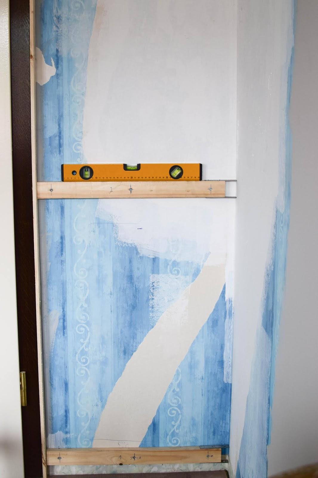 Wandverkleidung DIY Aus Holz Mit Nut Und Federbretter Kreidefarbe Von  Painting The PastRenovierung Vertaefelung Beadboard Selber