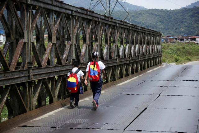 Niños venezolanos no asisten al preescolar por falta de comida, ropa y agua