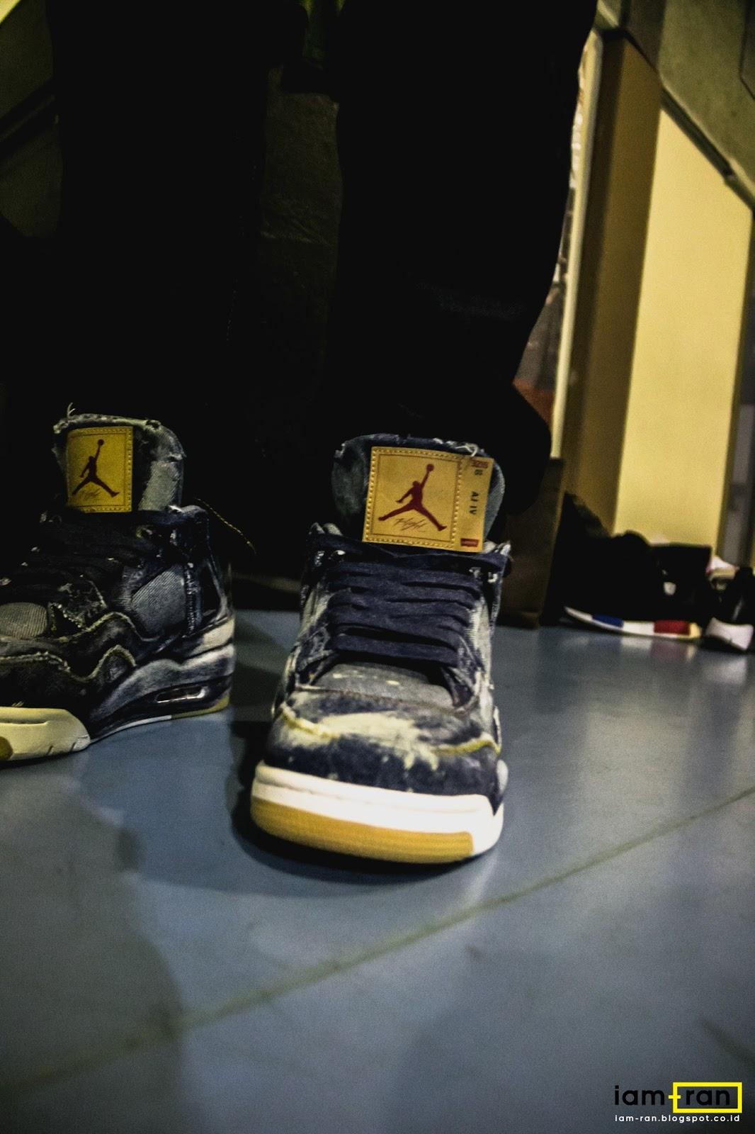 6dd89f2cadf Sneakers : Nike Air Jordan 4 X Levis. Photo by : iam.ran06