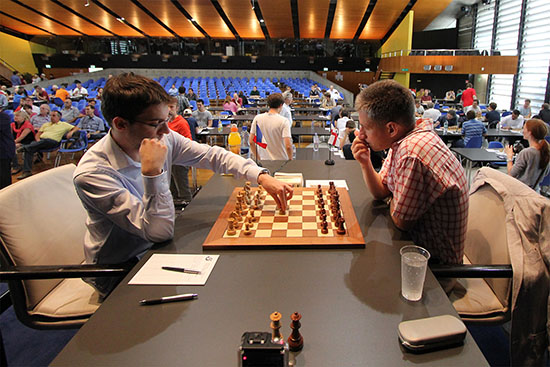 Ronde 8: Maxime Vachier-Lagrave (2731) 1-0 Michael Adams (2740) - Photo © site officiel
