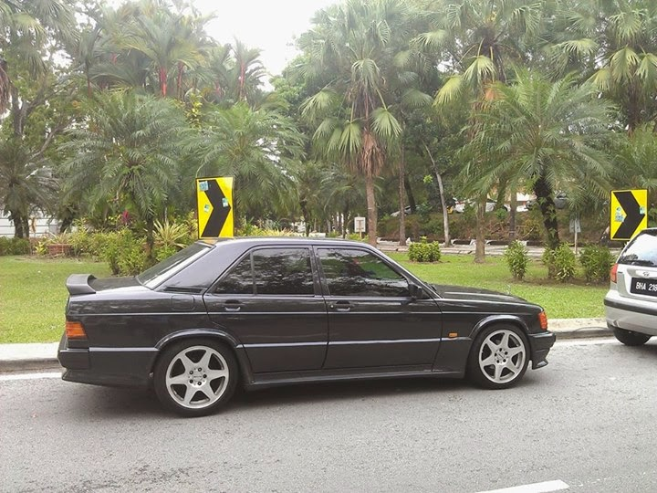 Sunday Car Porn: Gestation of the Mercedes 'Baby Benz' W201 190E in pics.