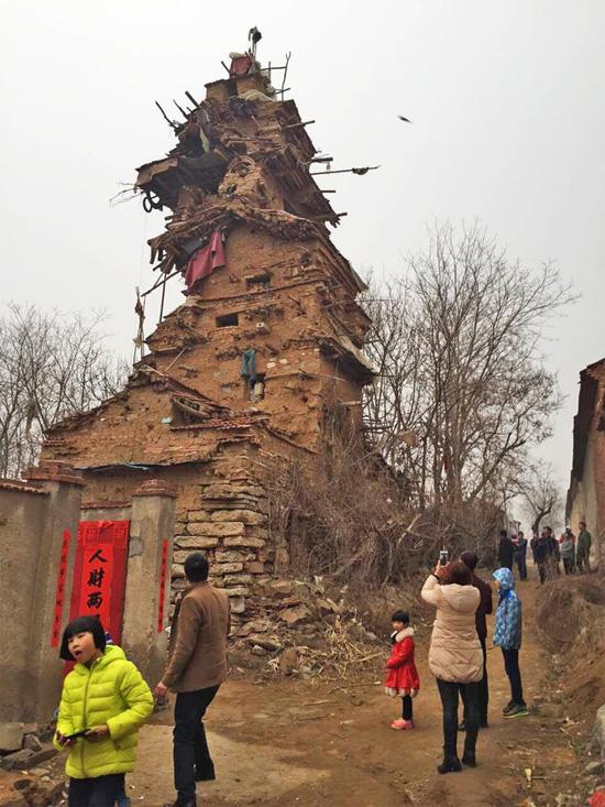 Shandong clay tower by Hu Guangzhou in China