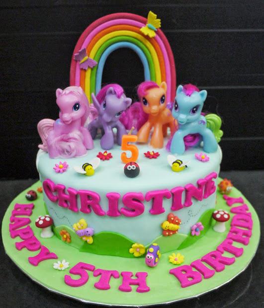 Cupcake Divinity Christine' Little Pony Cake