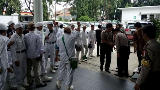 Penghina Nabi Muhammad Diadili, FPI 'Kepung' PN Tangerang